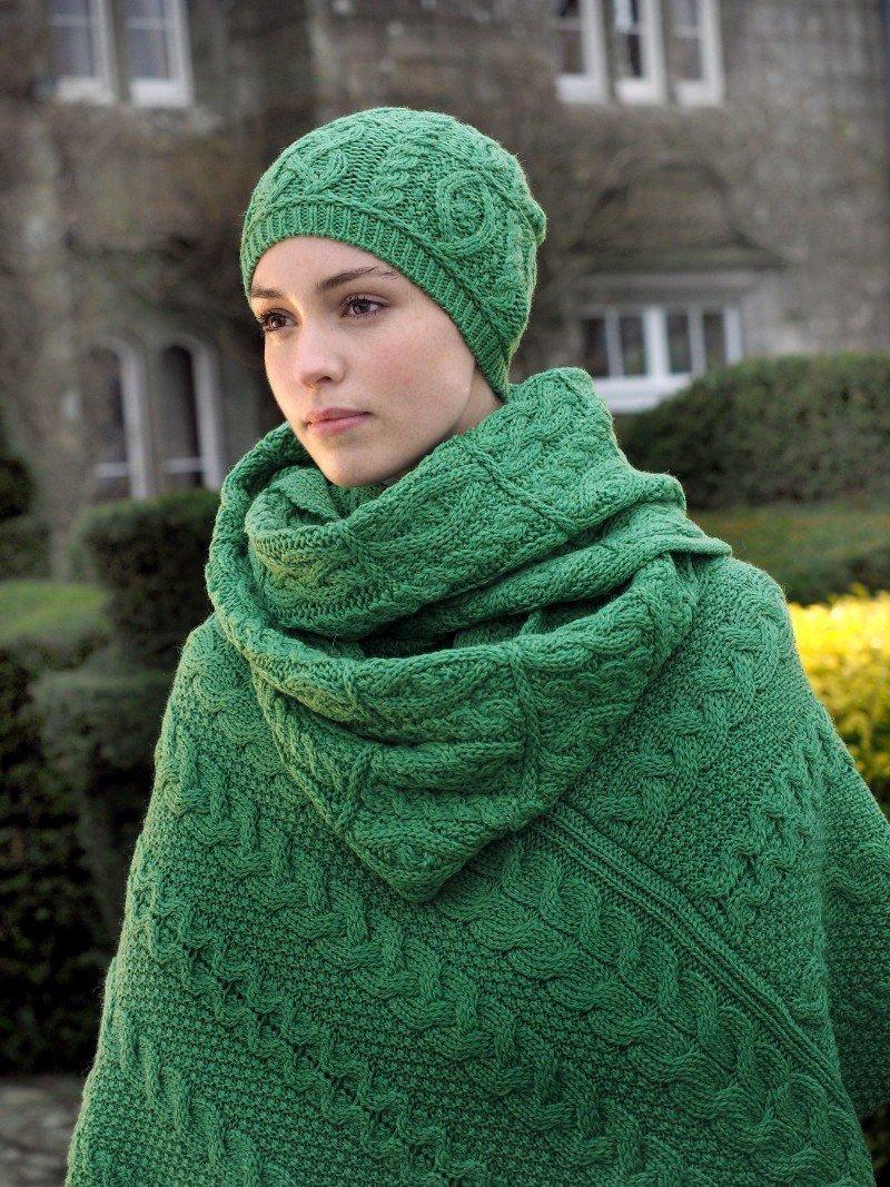 Aran Poncho Green