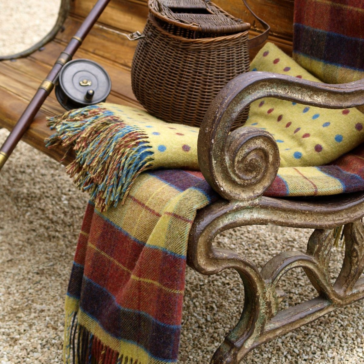 Heritage Tartan Moy Lambswool Throw