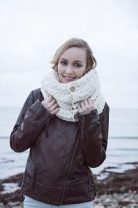 Traditional Aran Snood White