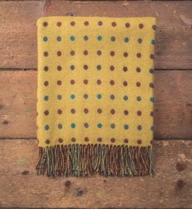 Moy Spot Lambswool Throw