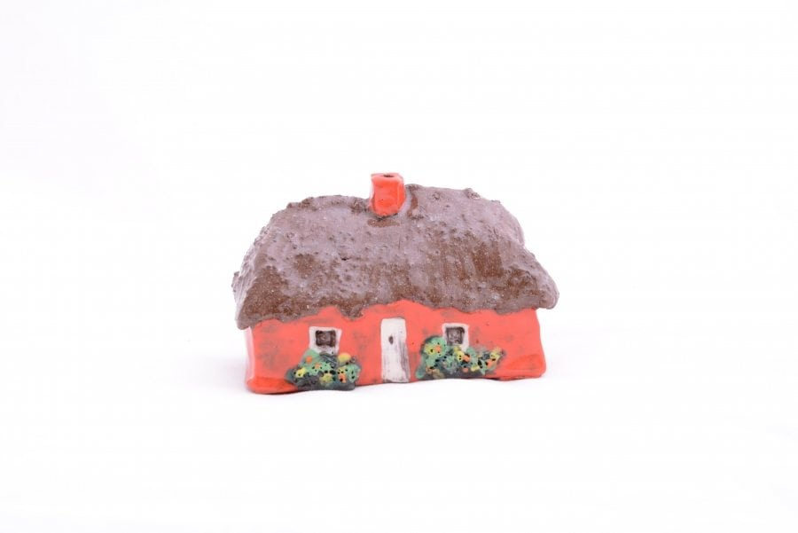 Large Thatched Irish Cottage with Burner