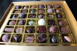 Lorge Chocolate Box 36 inside