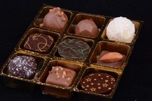 Lorge Chocolate Box 9 inside