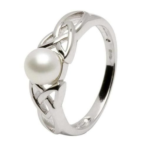 Irish Trinity Knot Pearl Ring
